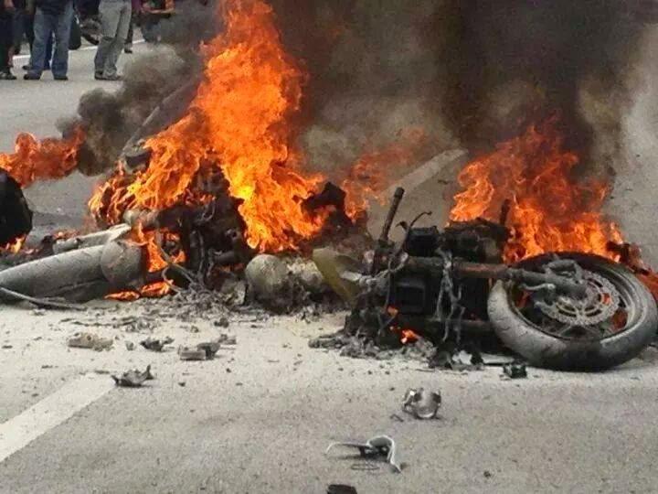4 Gambar kemalangan maut nahas motosikal berkuasa tinggi di KM 25 Lebuhraya Karak