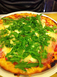 mangiare pizza a pisa