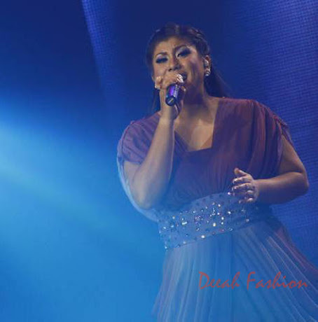 Busana Regina Idol Malam Grand Final Indonesian Idol 2012