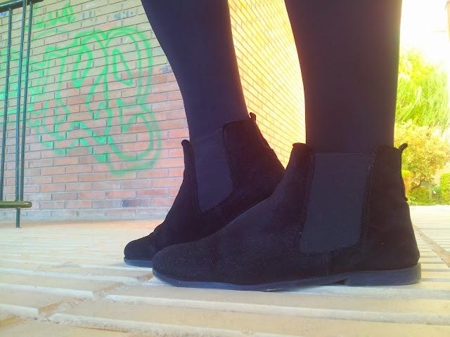 Tendencia total esta nueva temporada otoño invierno las faldas skater de stradivarius y un jersey gazpeado  de ICHI