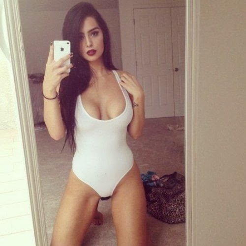 Imogen Lovells Leaked Cell Phone Pictures