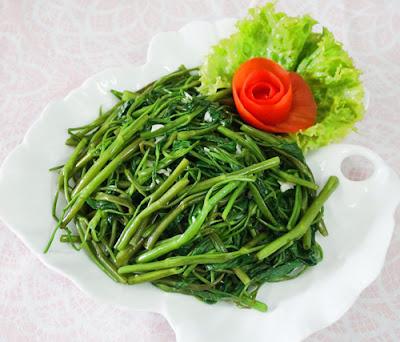 Cách làm rau muống xào tỏi giòn xanh như ngoài hàng