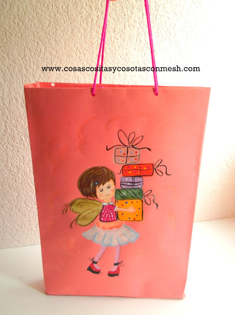 Como decorar una bolsa de regalo lodijoella for Decorar regalos