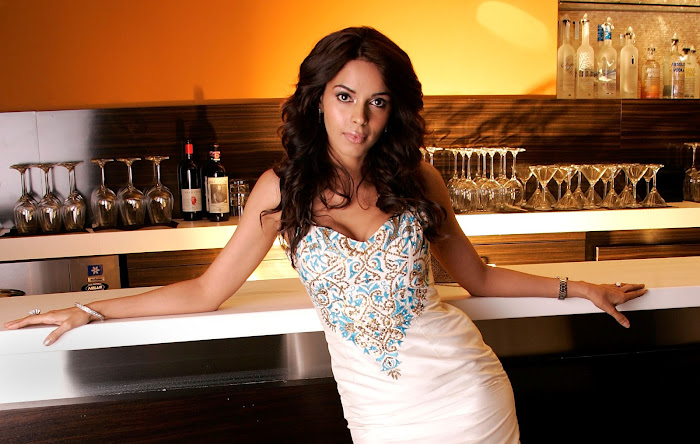 mallika sherawat very actress pics
