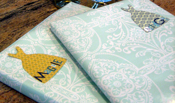 Special gifts for the sisters of the bride is the best way to make family feel special.