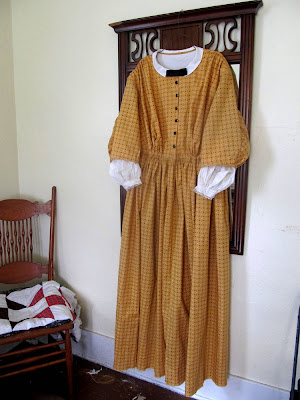 White Maternity Dress on Romantic History  1860 S Gathered Drawstring Dress