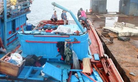 Tàu cá Quảng Ngãi bị đâm chìm