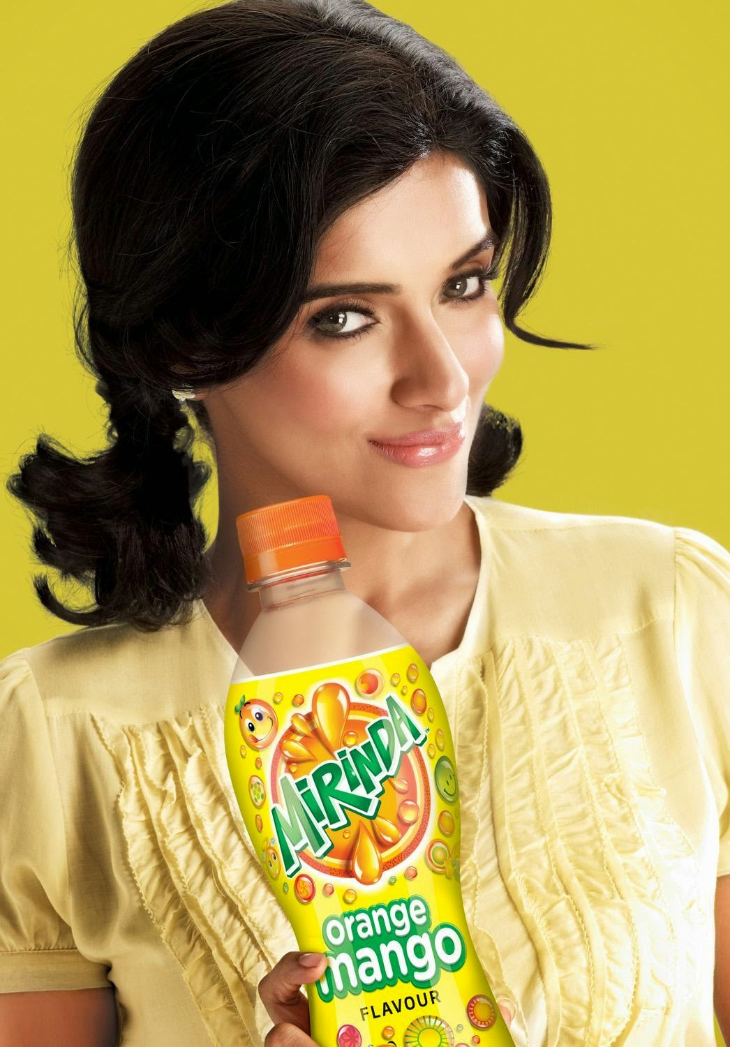 asin hot in mirinda ad pics