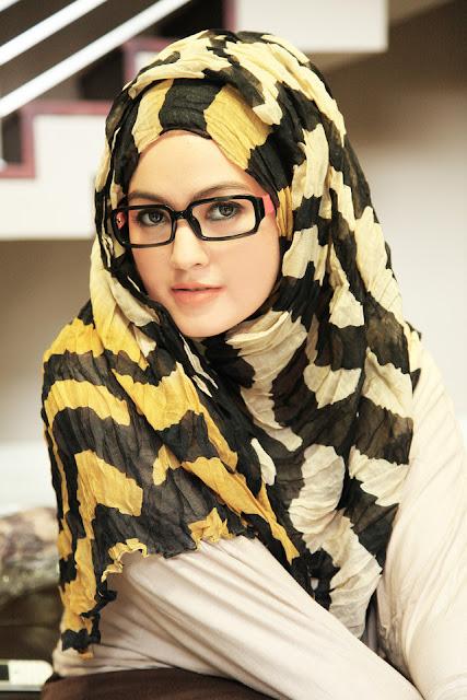 Foto Cewek Cantik Berjilbab