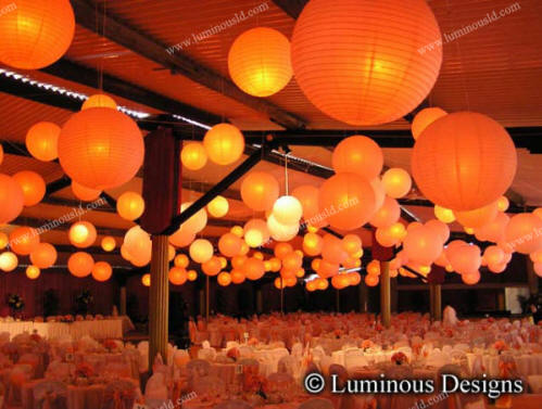 like an outdoor or beach wedding White paper lanterns are an easy way
