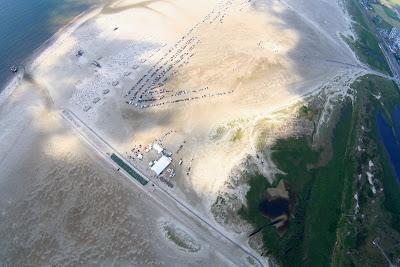 St. Peter-Ording: Fotos eines Tandem-Fallschirmabsprunges über dem ordinger Strand 45