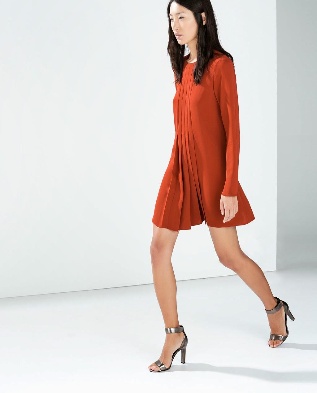 http://www.zara.com/es/es/mujer/vestidos/vestido-tablas-delatero-c269185p2188519.html