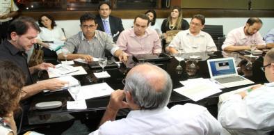 Em Camocim, Cid Gomes anuncia que governo vai pedir a ilegalidade da greve dos professores