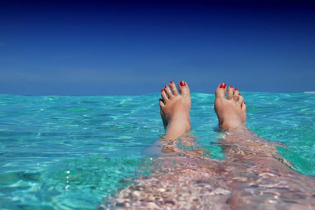 pied a la plage soleil