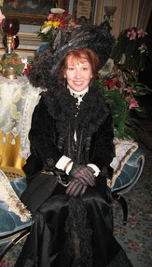 Victoriana Lady At The Stegmaier Mansion B&B Christmas Event