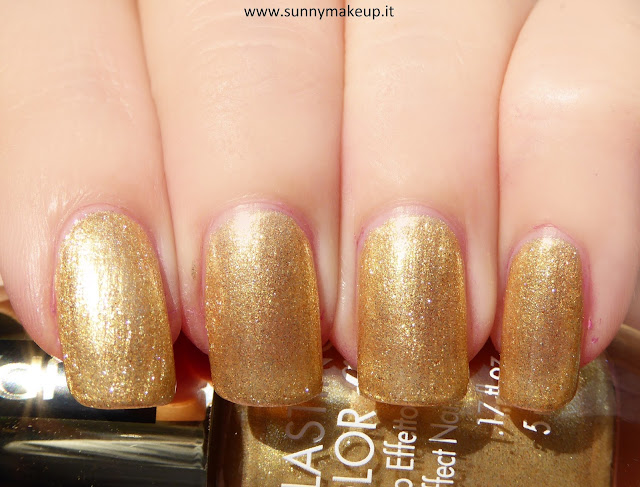 Swatch Pupa - Stay Gold!: Collezione natalizia 2015. Lasting Color Gel - 135 Luxurious Gold.