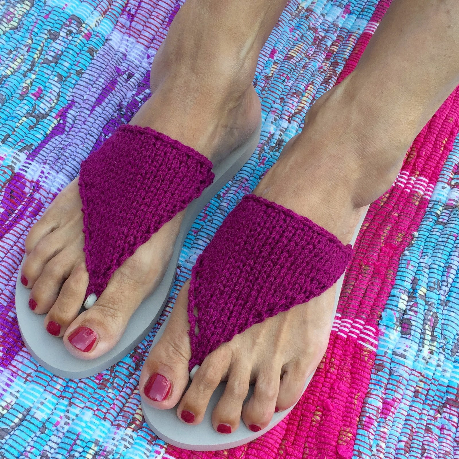 Knitting Pattern For Flop : DIY Knitted Flip-flop Recipe Crafts from the Cwtch