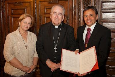 Emmir Nogueira, Cardeal Stanislau Rilko e Moysés Azevedo com o Decreto Pontifício em mãos