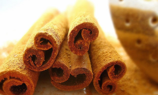 healthy smoothie ingredients cinnamon