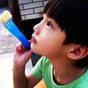 Baby Luhan EXOM (Ye Ziyu) II (photo by ye ziyu • instagram mozilla firefox )