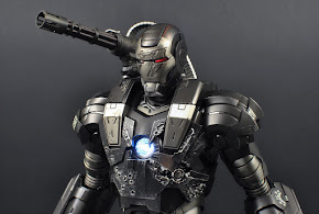 WAR MACHINE MK1 DIECAST HOT TOYS
