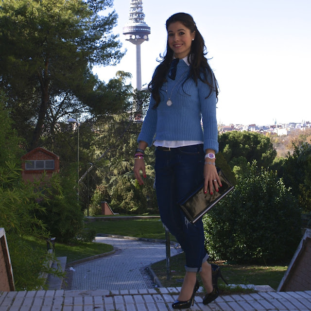 LaCaprichossa-FAshion Blogger-Street Style-MANGO boyfriend jeans-high heels-menbur-Colgante Mi Moneda-Il Centimetro-Pulsera Cruciani C