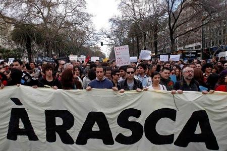 Grécia, Irlanda e Portugal: PORQUE OS ACORDOS COM A TROIKA SÃO ODIOSOS