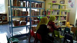 berbagai manfaat membaca buku