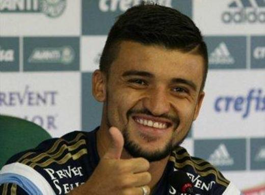 Victor Luís negocia com o Bahia