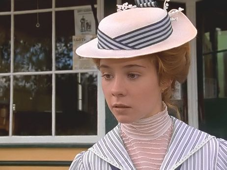 the jane austen film club anne of green gables for a happy mother 39 s day. Black Bedroom Furniture Sets. Home Design Ideas