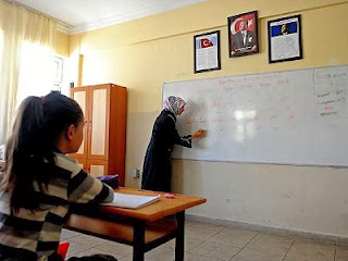 Guru berjilbab kembali mengajar di Turki (Worldbulletin.net)