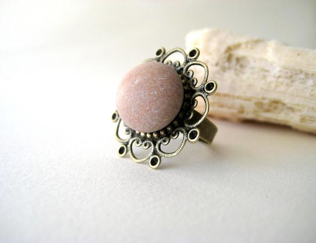 beach-stone-ring