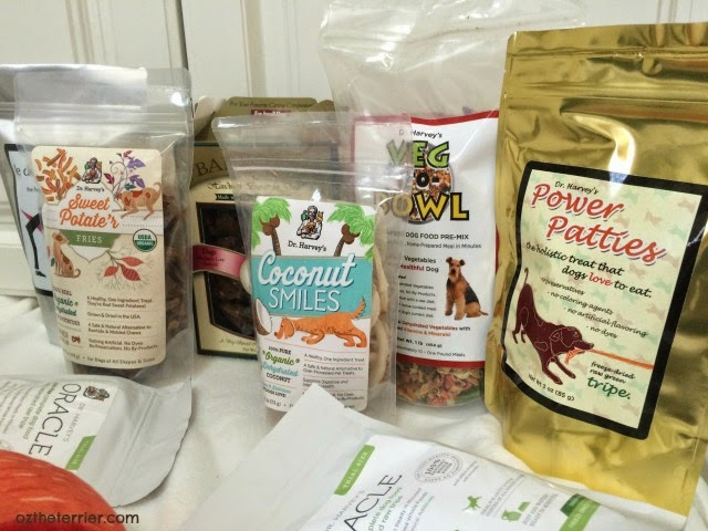 Dr. Harvey's all-natural food and treats for dogs