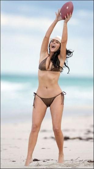Kim Kardashian Bikini Beach Summer