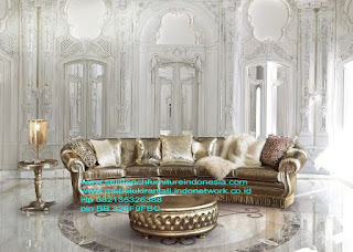 Mebel ukir jati jepara.Sofa klasik ukir eropa,Sofa ukir jepara Jual furniture mebel jepara sofa tamu klasik sofa tamu jati sofa tamu antik sofa tamu jepara sofa tamu cat duco jepara mebel jati ukir jepara code SFTM-22096