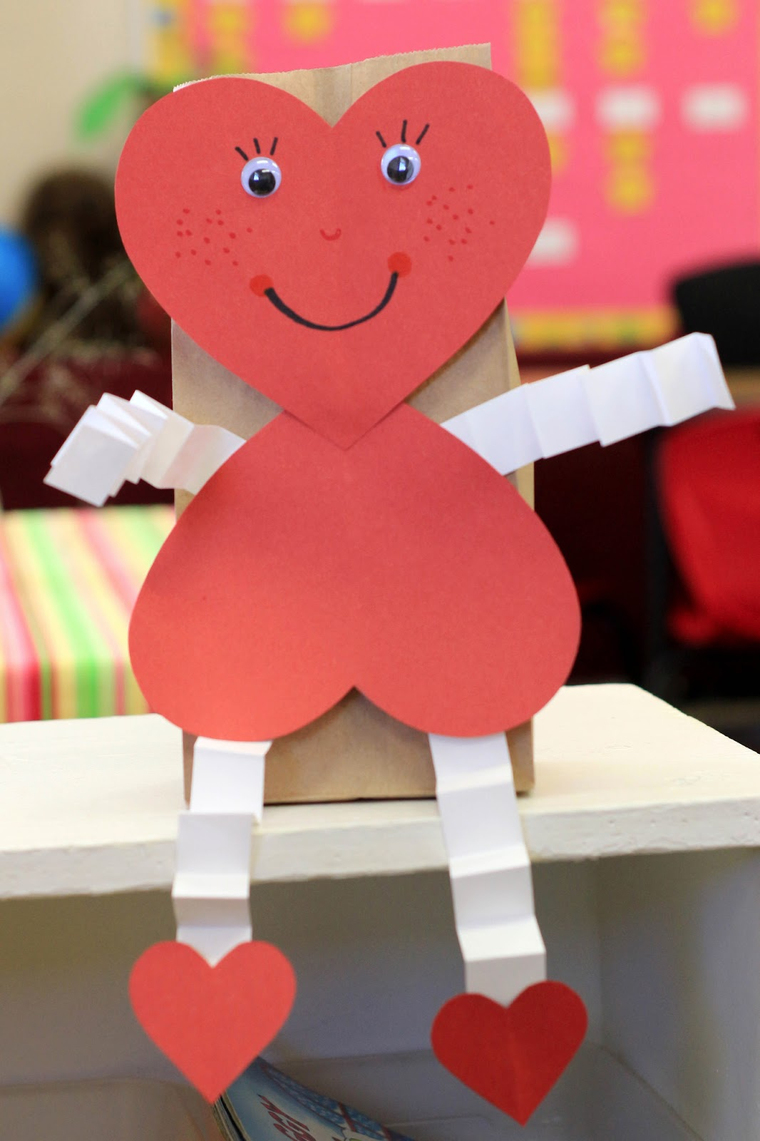 Mrs ricca 39 s kindergarten valentine 39 s day ideas freebie for Valentines crafts for kindergarten