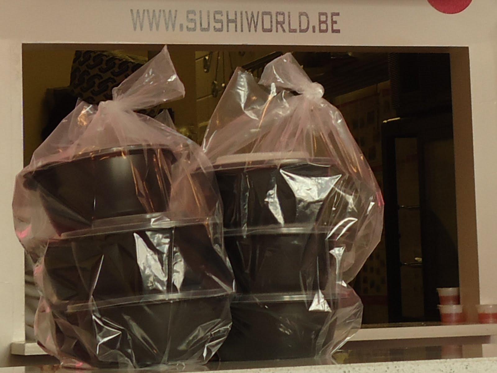 http://3.bp.blogspot.com/-28Dr7N_aeDg/TeZHPzXfRKI/AAAAAAAAAYU/HMKl7Ja_EHw/s1600/sushiworld11.JPG