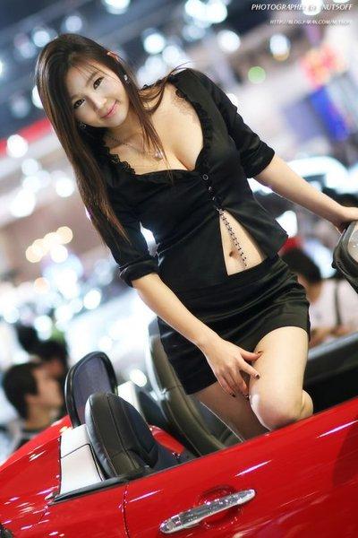 Korea Model At Car Show Automotive Car On The Week - Car show models