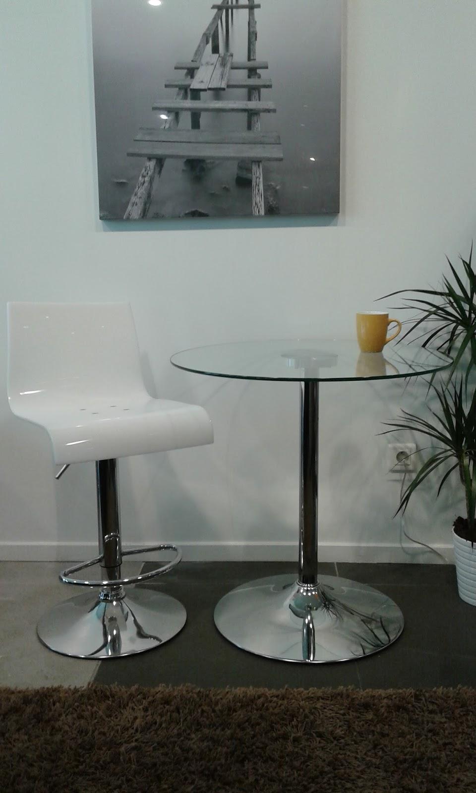 tables et jeux de soci t. Black Bedroom Furniture Sets. Home Design Ideas