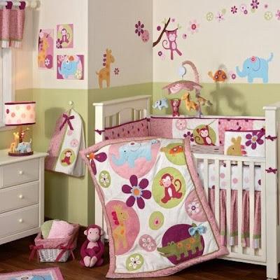habitación bebé colorida