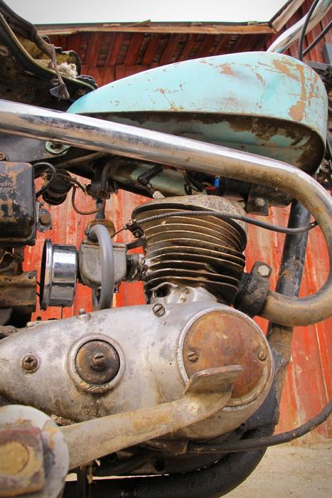 Kemenyek  Harley Davidson Hummer