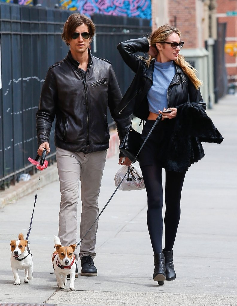 Candice Swanepoel walks with her boyfriend, Hermann Nicoli ...