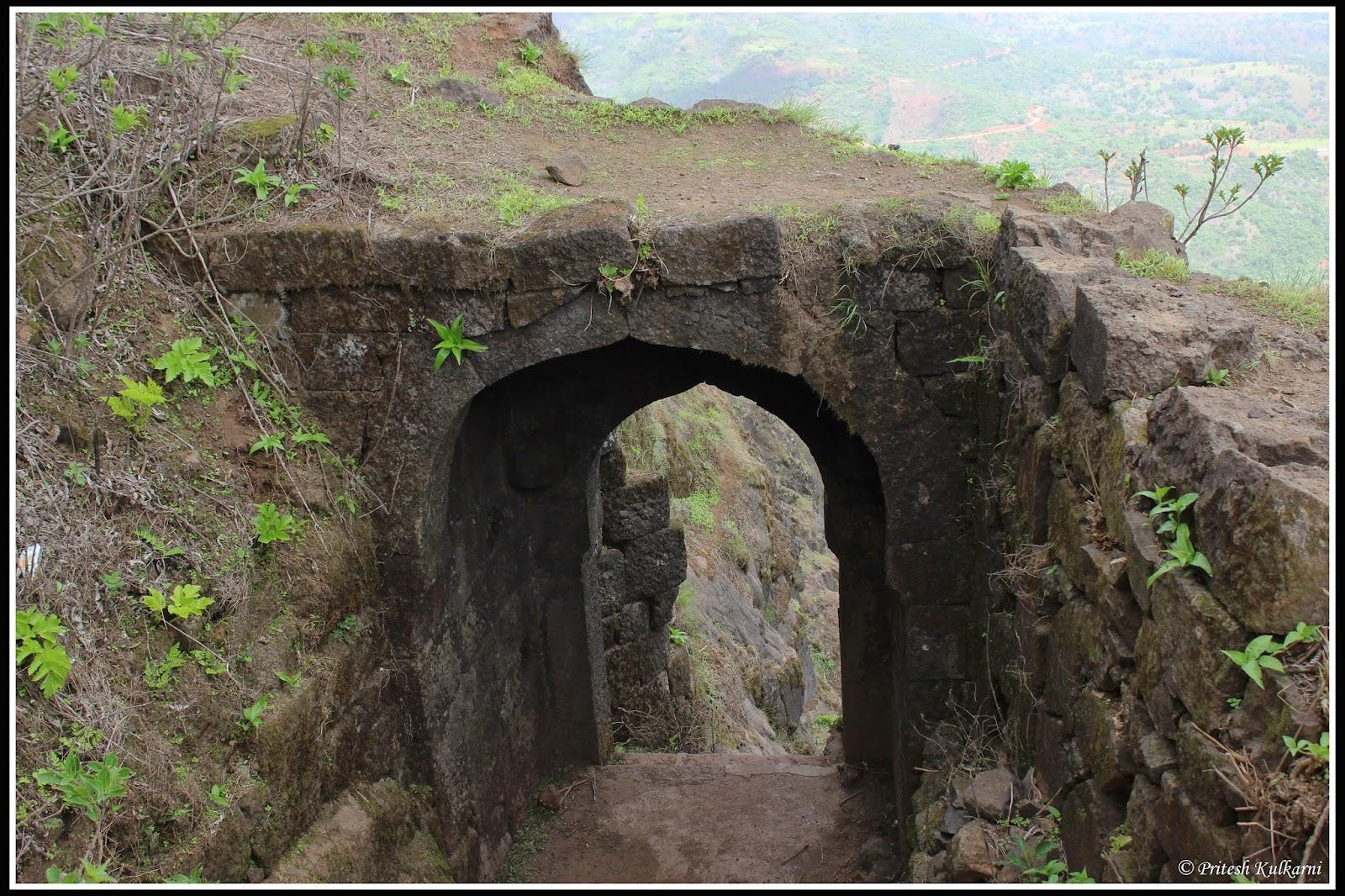 Bini Darwaja (Bini entrance)