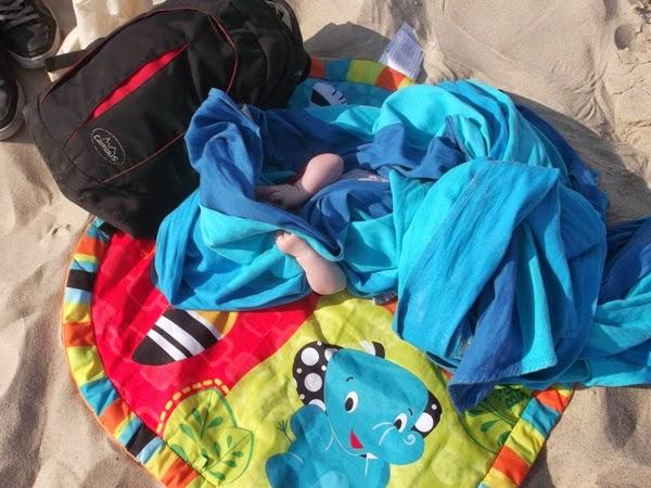 dziecko pod chustą :)