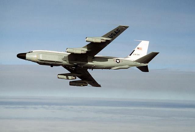 Pesawat Pengintai RC-135
