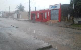 Piranhas: Chuva forte, acompanhada de rajadas de vento e trovões é registrada na tarde deste sábado