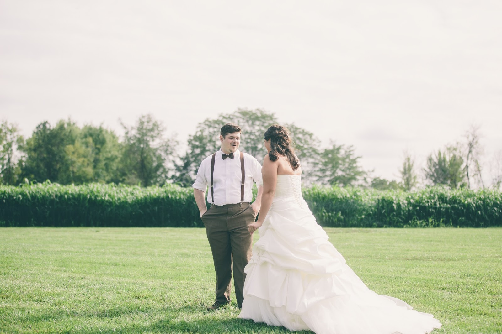 Wonderment in Neverland: Wedding Wonderment: First Look and the Dress