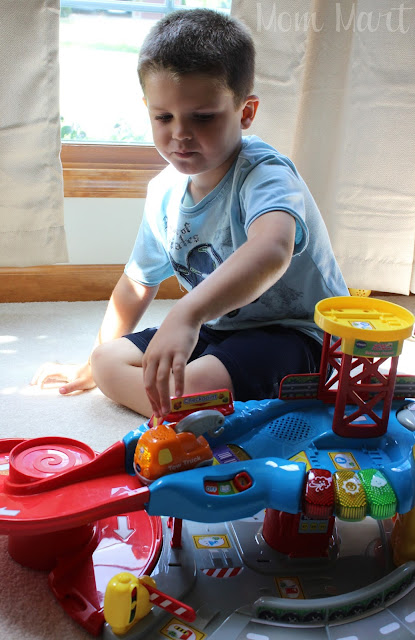 Go! Go! Smart Wheels™ Garage VTech Toys PLAYTIME
