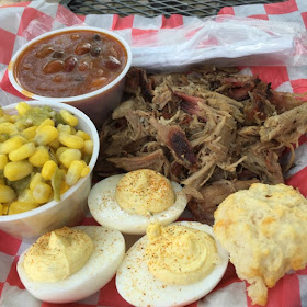 hubba hubba smokehouse, barbecue plate