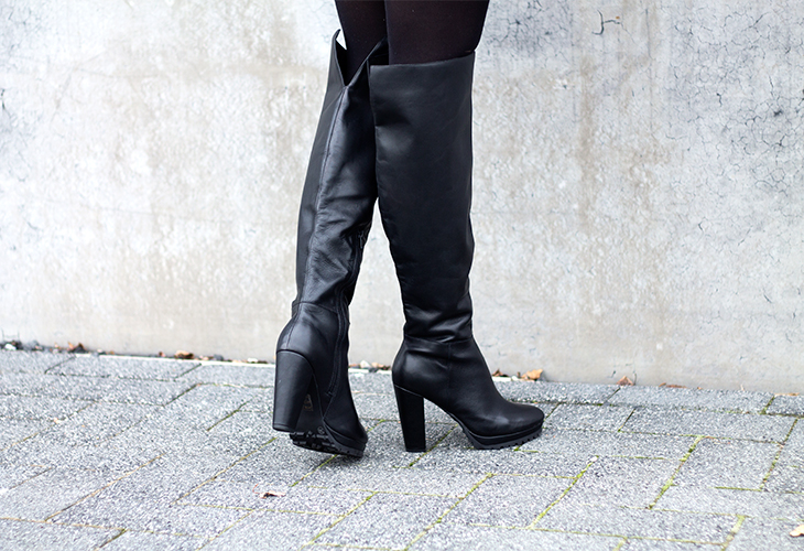 Fashion Attacks all black outfit ootd Invito high overknee boots